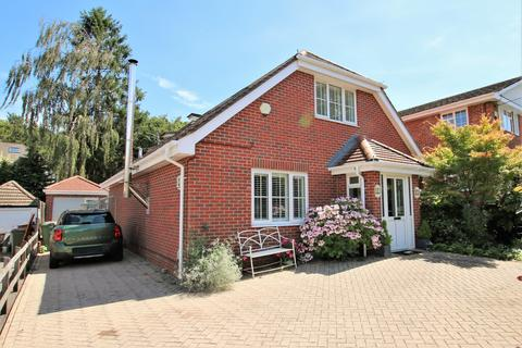 4 bedroom chalet for sale - Southern Road, West End, Southampton