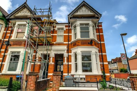 3 bedroom flat for sale - Sellons Avenue, NW10