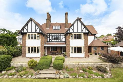 7 bedroom detached house for sale - Hill Brow, Bickley