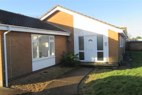 3 bedroom bungalow to rent - Douglas Avenue, Ingoldmells, Skegness, PE25 1PF
