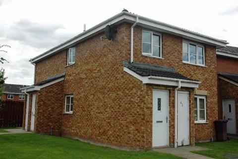2 bedroom flat to rent - Tullis Gardens, Bridgeton, Glasgow, Lanarkshire, G40