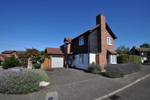 5 bedroom detached house for sale - Steed Close, Hornchurch, Essex, RM11