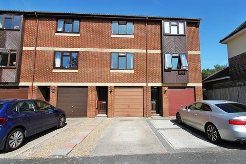 3 bedroom house to rent - St. Botolph's Road, Worthing, BN11