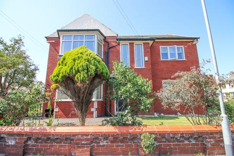 4 bedroom detached house for sale -  Chatsworth Road,  Lytham St. Annes, FY8