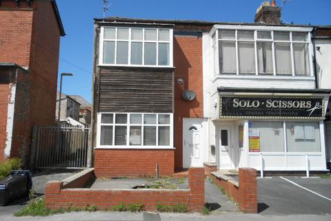 2 bedroom terraced house to rent - Caunce Street, Blackpool, FY1 3ND