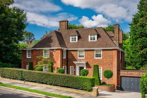 6 bedroom detached house for sale - Winnington Road, London N2