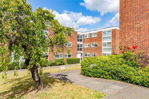2 bedroom apartment for sale - Tyrells Close, Upminster, RM14