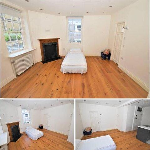 Studio to rent - Flat 15, Bray House, Duke of York Street,, London, SW1Y