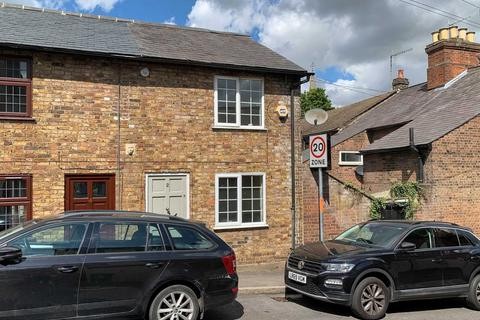 2 bedroom end of terrace house to rent - Highfield Road, Berkhamsted