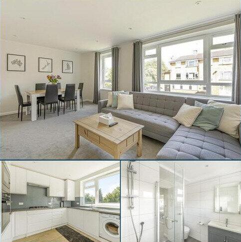 3 bedroom flat for sale - Rathmell Drive, Clapham