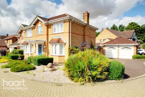 4 bedroom detached house for sale - Huntsmans Gate, Peterborough
