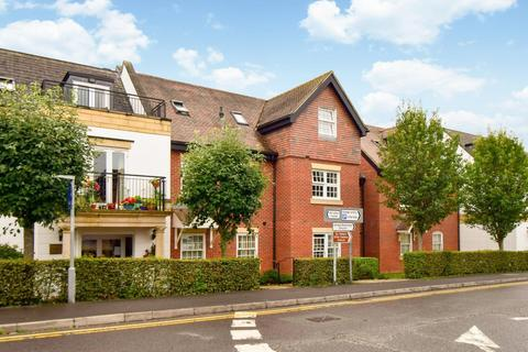 2 bedroom flat for sale - Penn House, Jennery Lane, Burnham, SL1