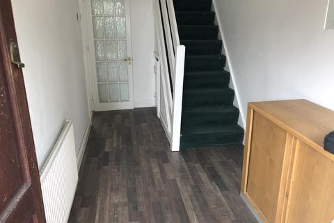 3 bedroom end of terrace house to rent - corncastle rd, luton LU1