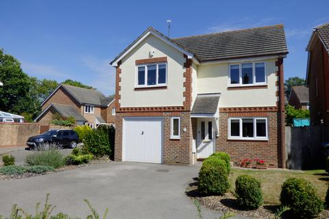 4 bedroom house for sale - Pangdene Close, Burgess Hill, RH15