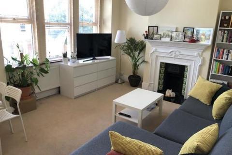 2 bedroom flat to rent - Devonshire Road London N13