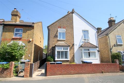 2 bedroom cottage for sale - Hythe Road, STAINES-UPON-THAMES, Surrey