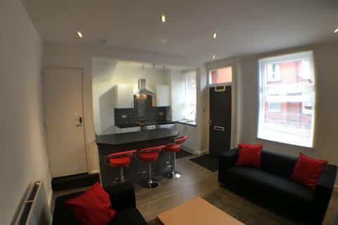 3 bedroom house share to rent - Harold Grove, Hyde Park, Leeds LS6