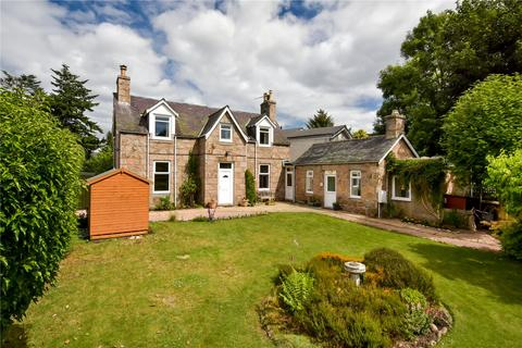 3 bedroom detached house for sale - Gairnlea, 1 Invercauld Road, Ballater, Aberdeenshire, AB35