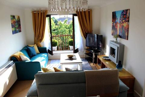 2 bedroom apartment to rent - St. Mildreds Place