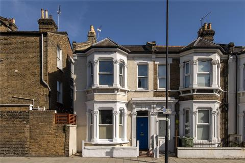 3 bedroom end of terrace house for sale - Morval Road, London, SW2