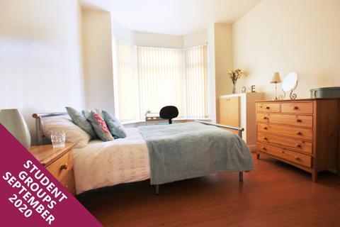 3 bedroom flat to rent - Haydn Avenue
