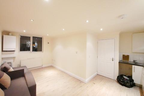 1 bedroom apartment to rent - Green Lanes, Palmers Green, London, N13