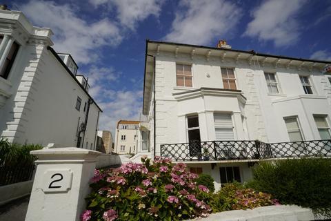 1 bedroom semi-detached villa to rent - Medina Villas, Hove
