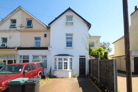 4 bedroom semi-detached house for sale - Sun Lane, Gravesend