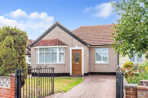 2 bedroom semi-detached bungalow for sale - Goodmead Road, Orpington, Kent, BR6 0HX