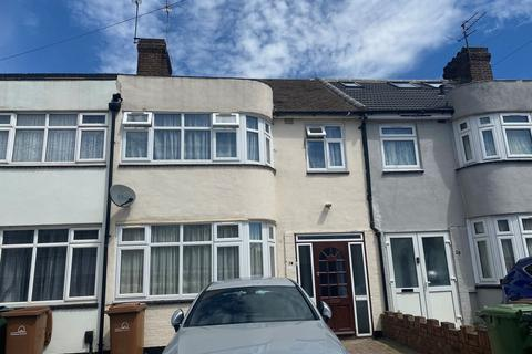 3 bedroom house to rent - Hollywood Road , Chingford, London