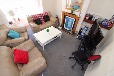 4 bedroom house share to rent - S2 Kearsley Road - 8am - 8pm Viewings