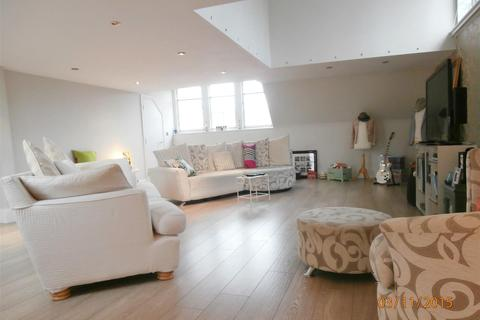 2 bedroom apartment to rent - Knighton Drive, Leicester