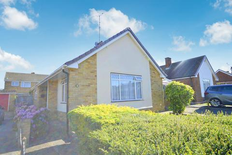 2 bedroom detached bungalow for sale - Marlowe Close, Whitstable