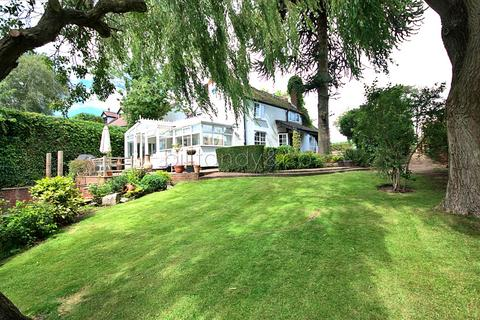 3 bedroom cottage for sale - Rake Hill, Burntwood, WS7