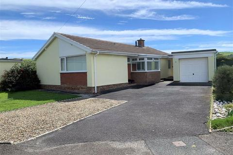 3 bedroom detached bungalow for sale - James Close, Llanon, Ceredigion