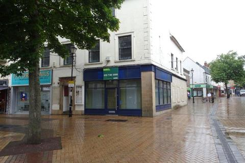 Retail property (high street) to rent - Mansfield