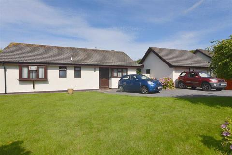 3 bedroom bungalow for sale - 9, Parsons Green, Tenby, Dyfed, SA70