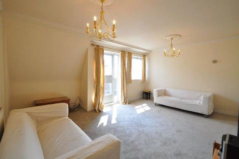 3 bedroom apartment to rent - St Mary`s Walk, Maidenhead