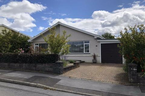 3 bedroom detached bungalow for sale - Brynhyfryd, Llanddarog, Carmarthen