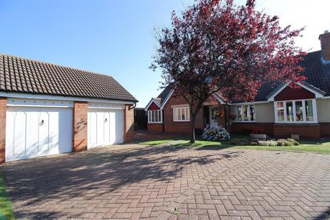 4 bedroom detached bungalow for sale - Green Close, Tynemouth