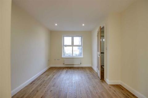 3 bedroom semi-detached house to rent - Freeman Gardens, Upper Accomodation Road, LS9