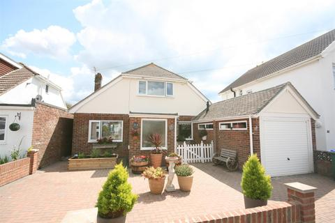 3 bedroom detached house for sale - Rowe Avenue, PEACEHAVEN