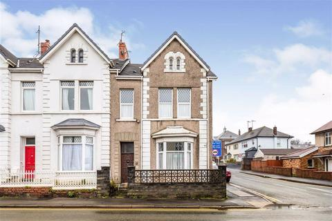 4 bedroom end of terrace house for sale - New Road, Llanelli
