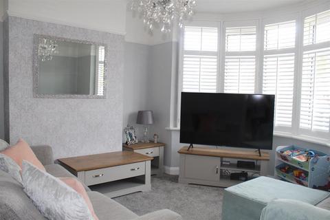 2 bedroom semi-detached house to rent - Appledore Avenue, Bexleyheath