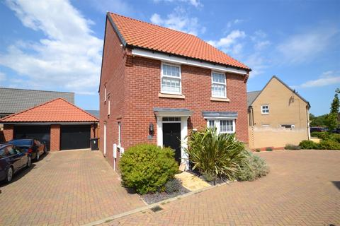 4 bedroom detached house for sale - The Poplars, Southminster