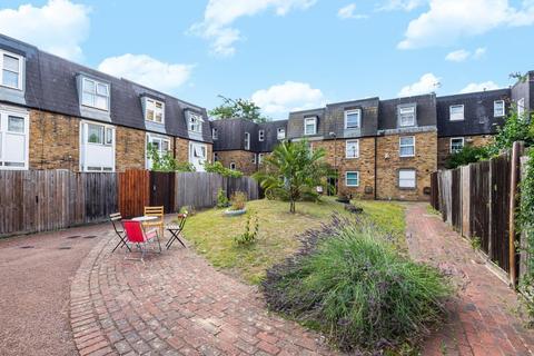 2 bedroom flat for sale - Mawbey Street, Oval