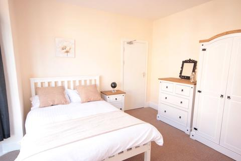 5 bedroom house share to rent - Duesbery Street, Hull