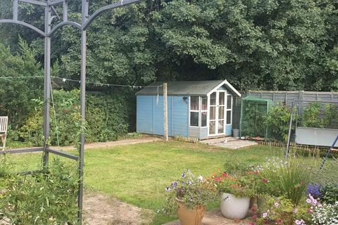 3 bedroom maisonette for sale - Farm Road, Warlingham, Croydon CR6