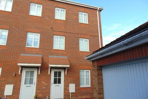 4 bedroom mews to rent - Waterlily Close, Stoke-On-Trent, Staffordshire, ST1 5PY