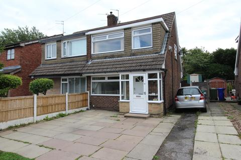 3 bedroom semi-detached house for sale - Appledore Drive, Manchester, M23 9WW